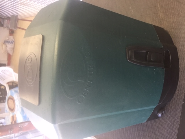 D10   Centurion as new with 2 remotes 100%