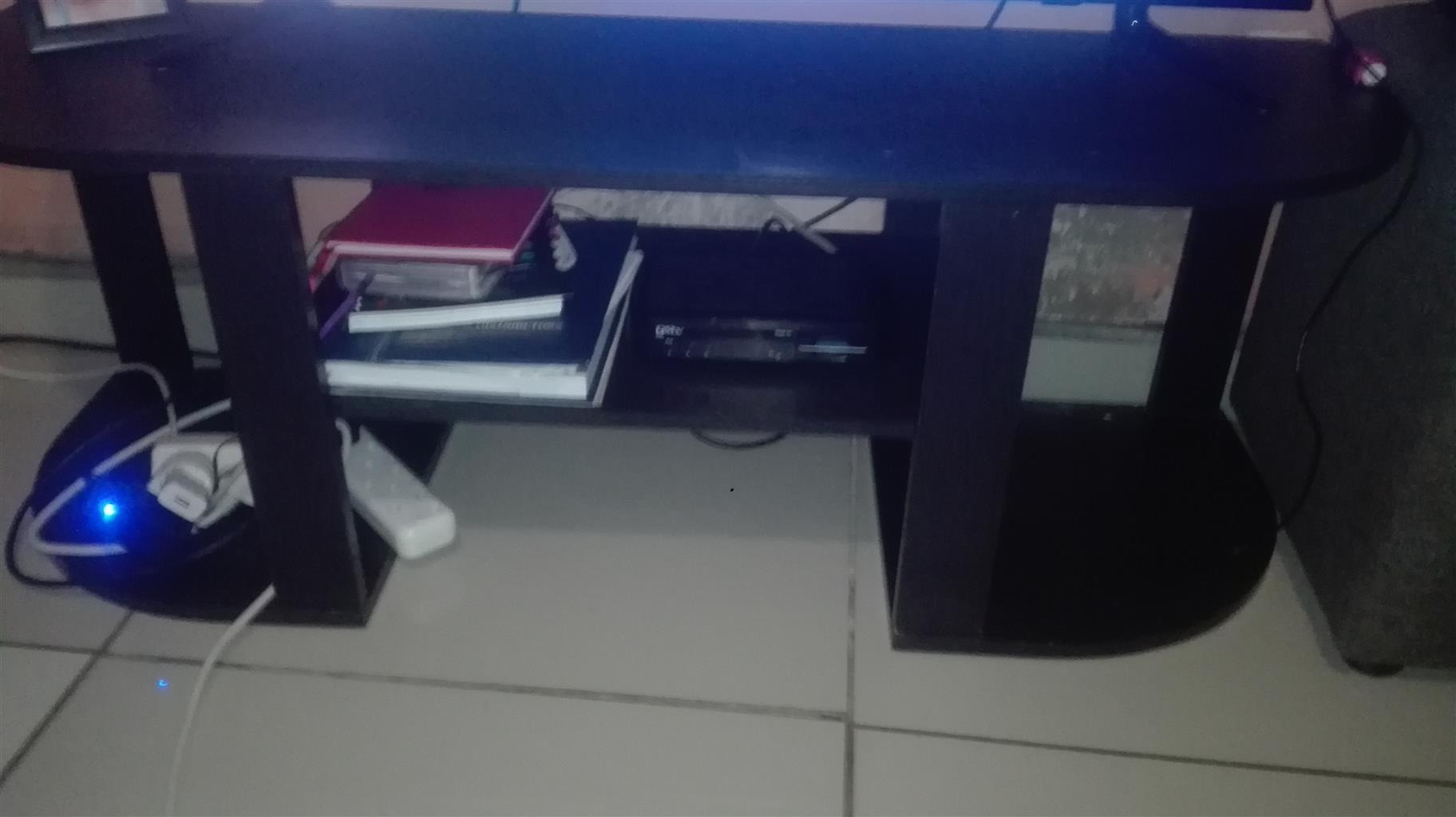 Black tv stand that I bought from game 2017 steel in a ft condition