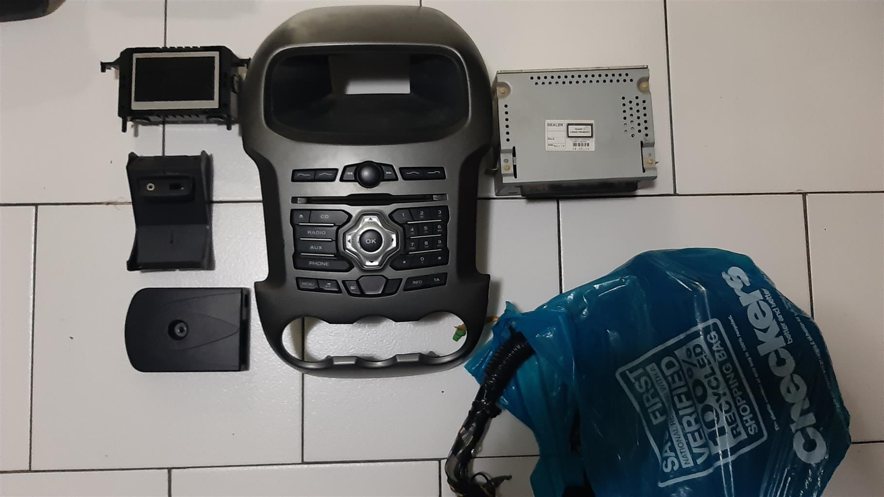 Ford T6 xlt Factory Radio and harness