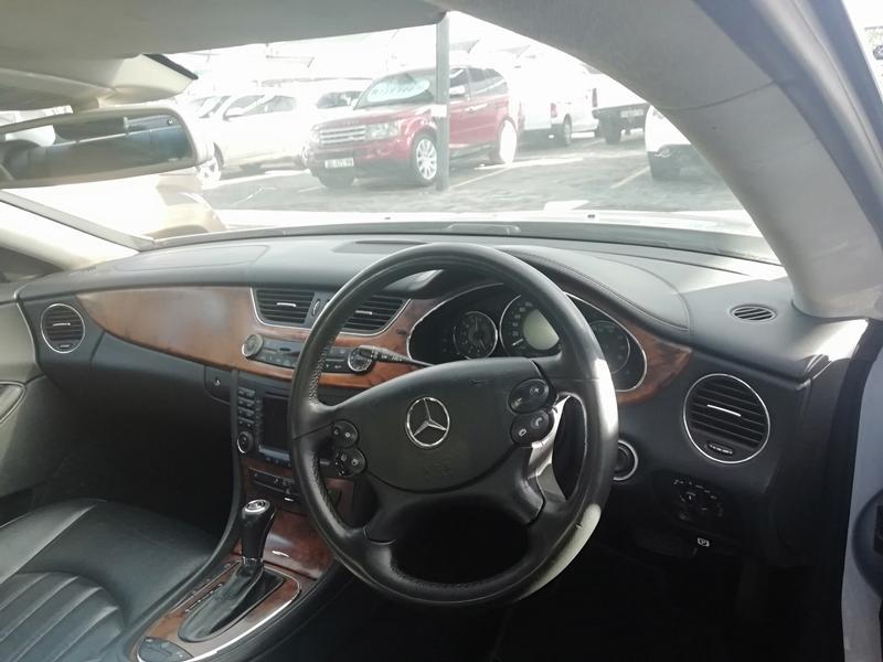 2005 Mercedes Benz CLS 500