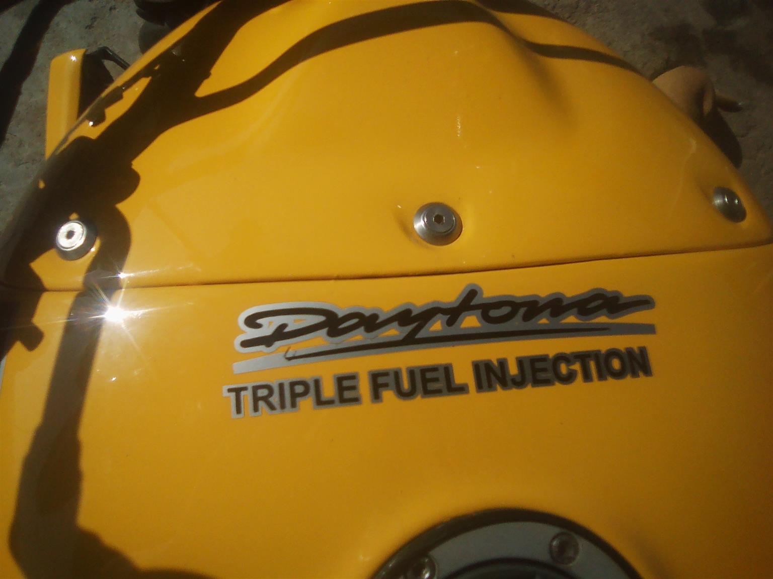 1979 triumph Daytona 955i triple street fighter