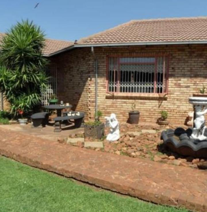 House For Sale in Rand Collieries