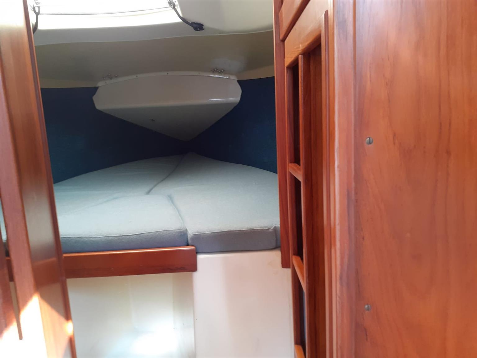 Holiday 23 Yacht for sale
