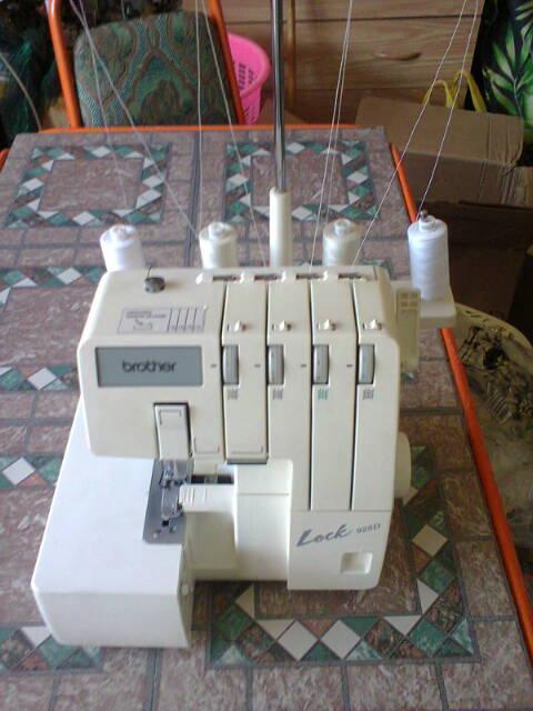 Vey nice Brother Lock 925D, Overlokicker 100% working condition