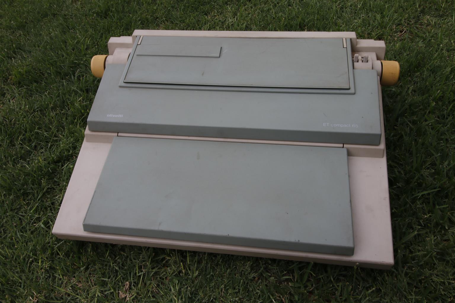 Electronic typewriter, Olivetti ETCompact65
