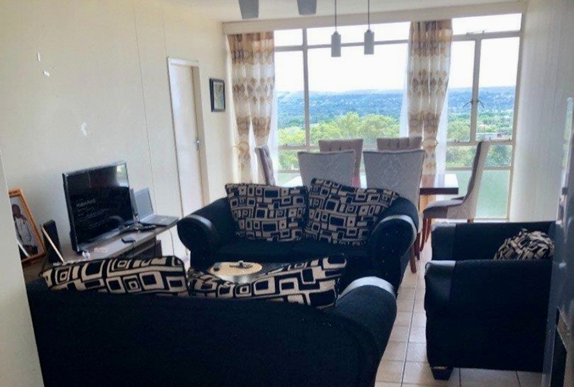 Apartment For Sale in Weavind Park