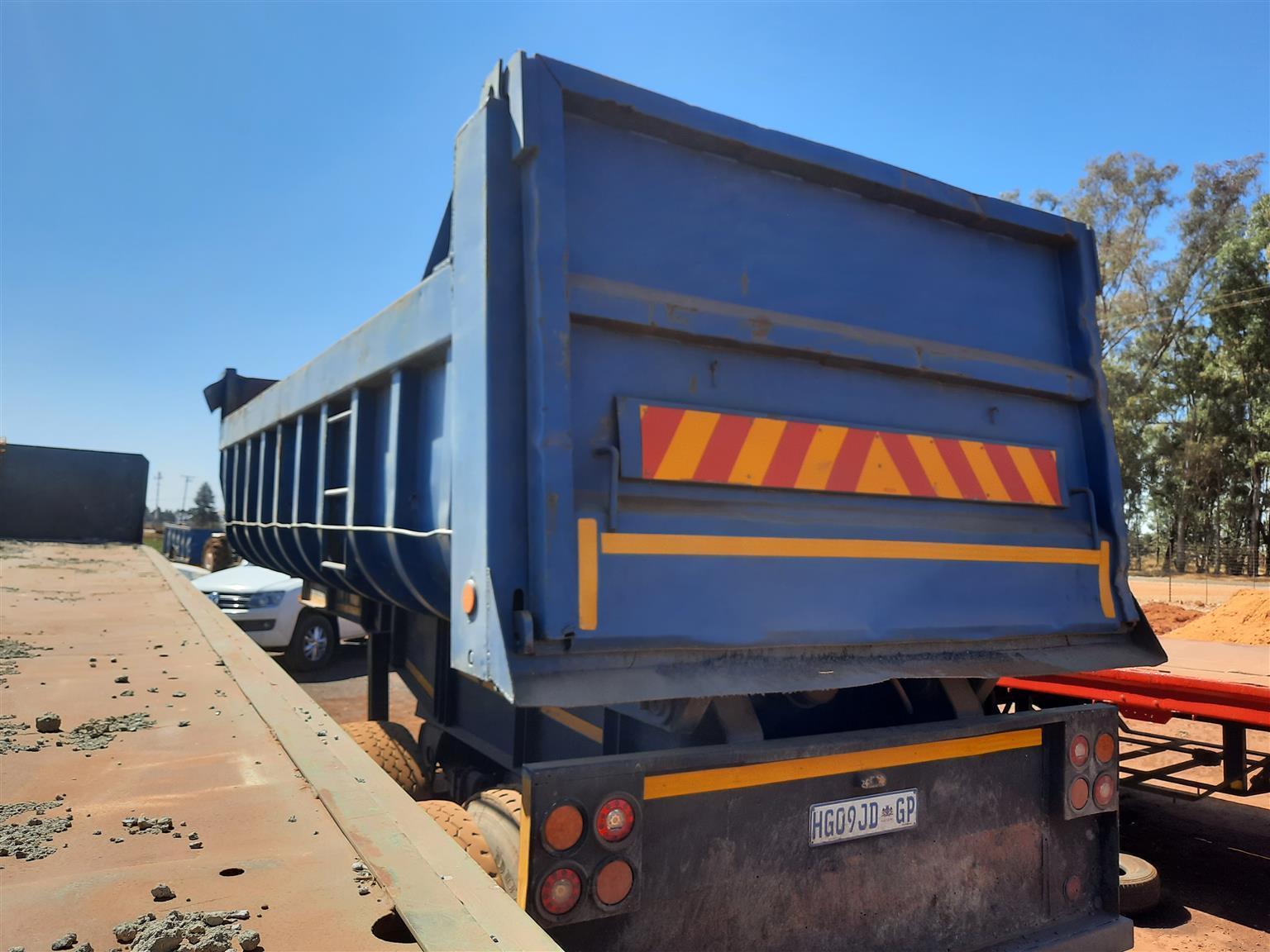 Coplyn 17 cub double axle trailer