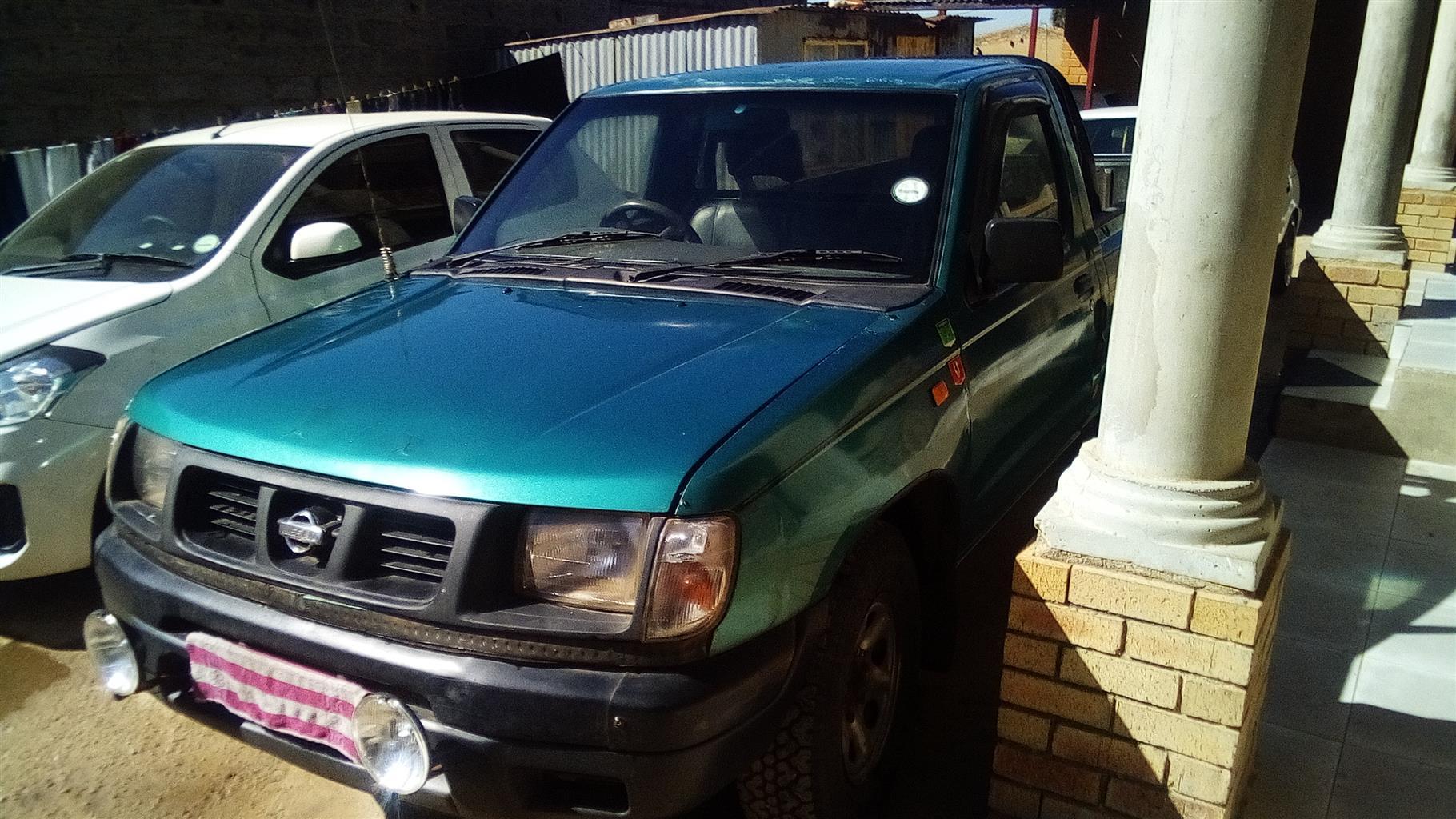 2000 Nissan 1 Tonner