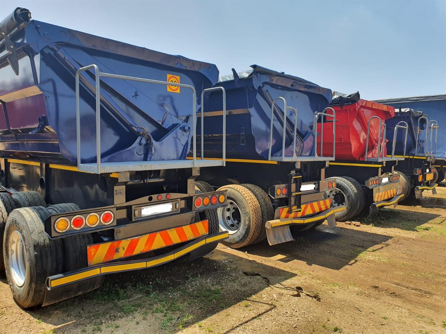 Used 2014 SA Truck Bodies 40m3 Side Tipper Links for sale