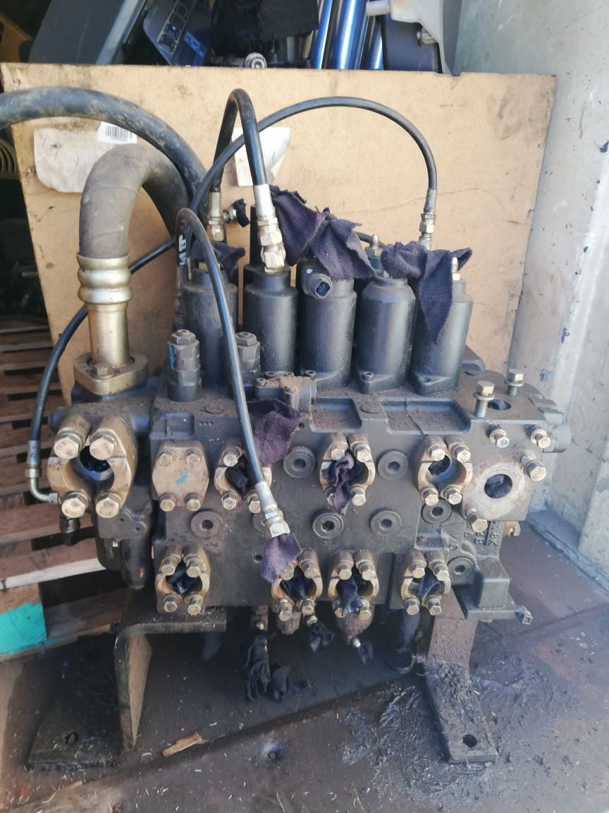 New Holland E215B Stripped Parts