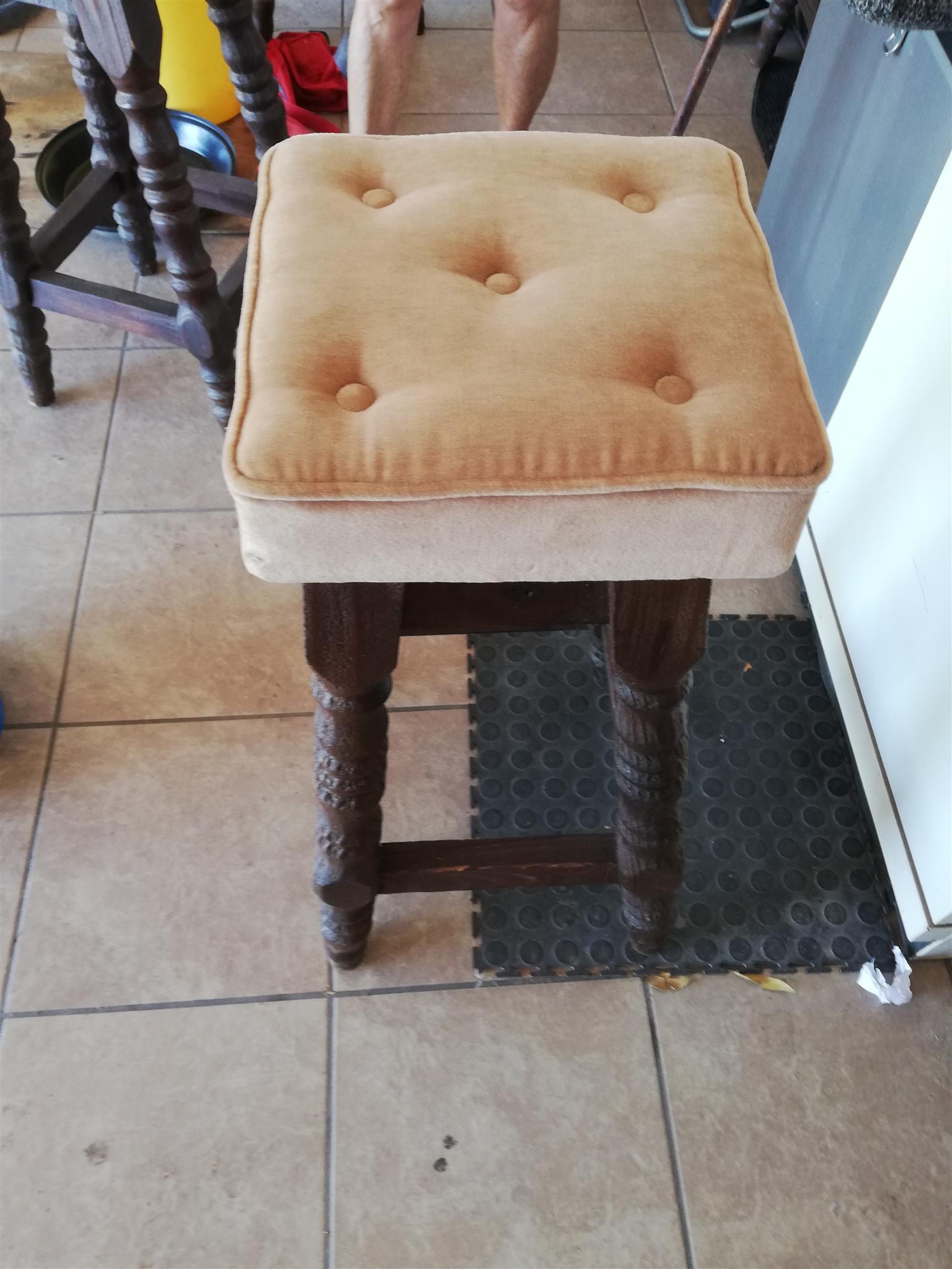 Bar chairs 4