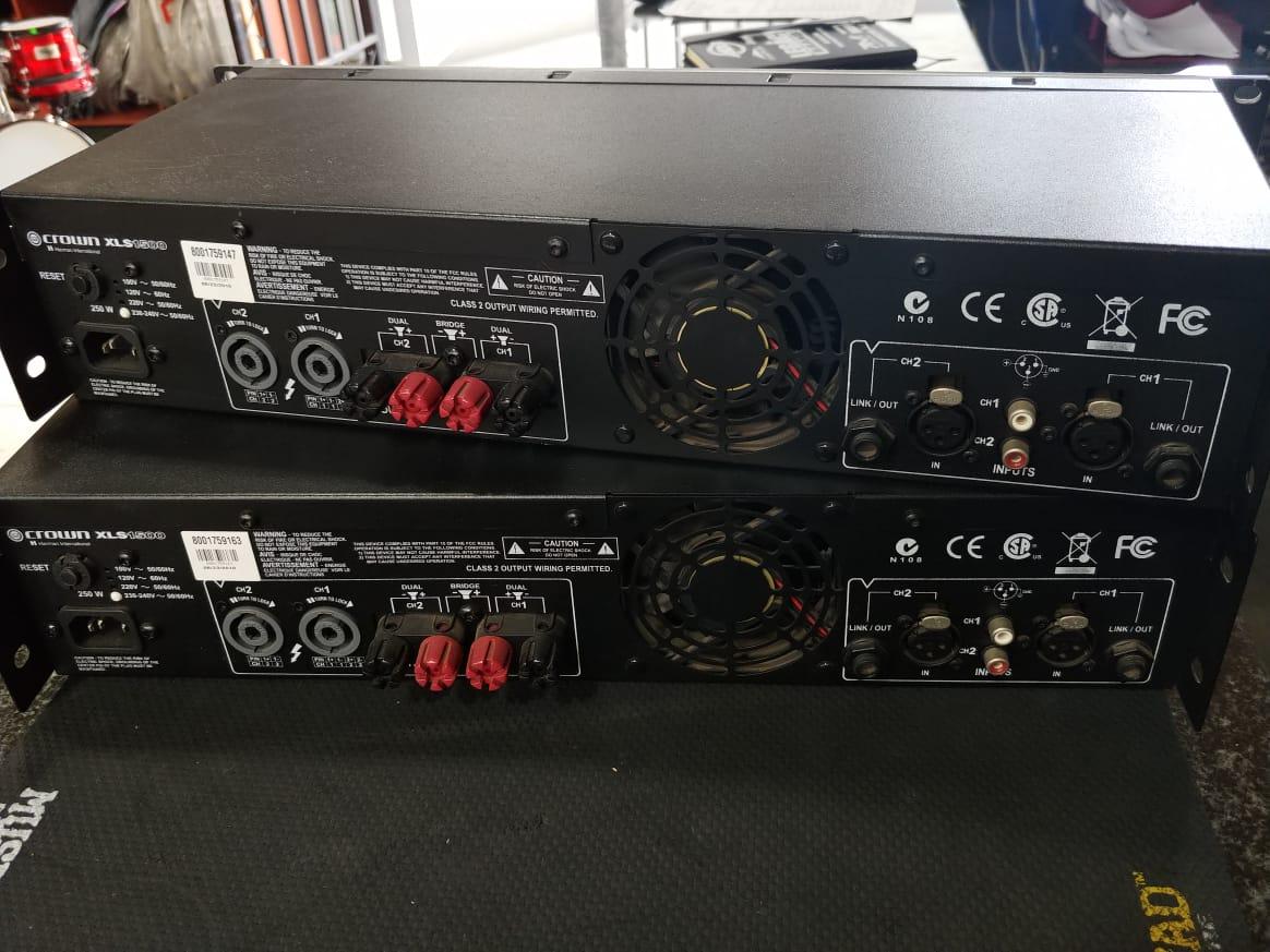 2 X Crown Amps XLS 1500