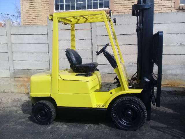 A refurbished 2.5ton Hyster H2.50XM