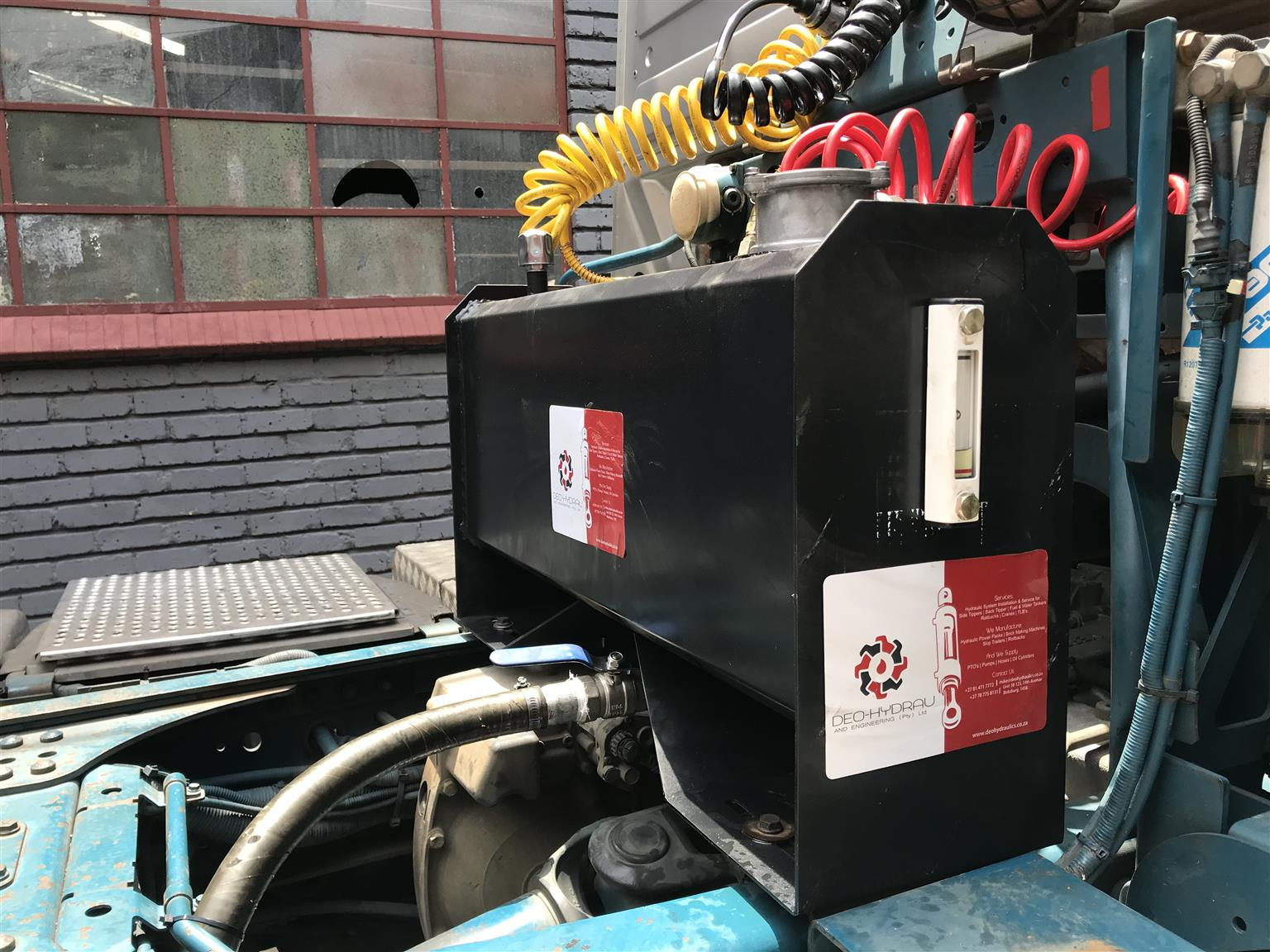 MOBILE HYDRAULIC SYSTEM AND PTO INSTALLATION