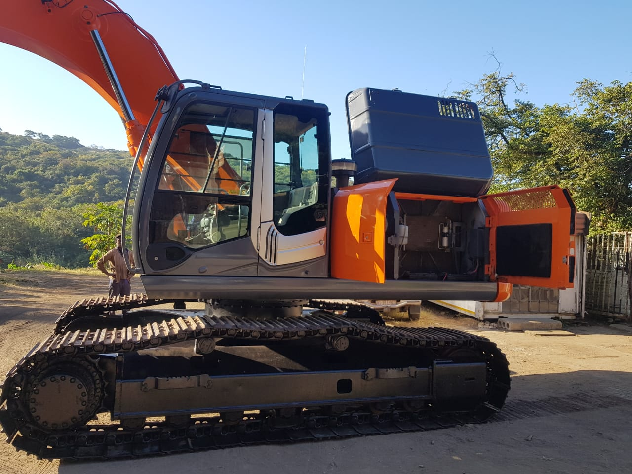 Price Drop - For Sale: Hitachi Zaxis 270 in Excellent Condition
