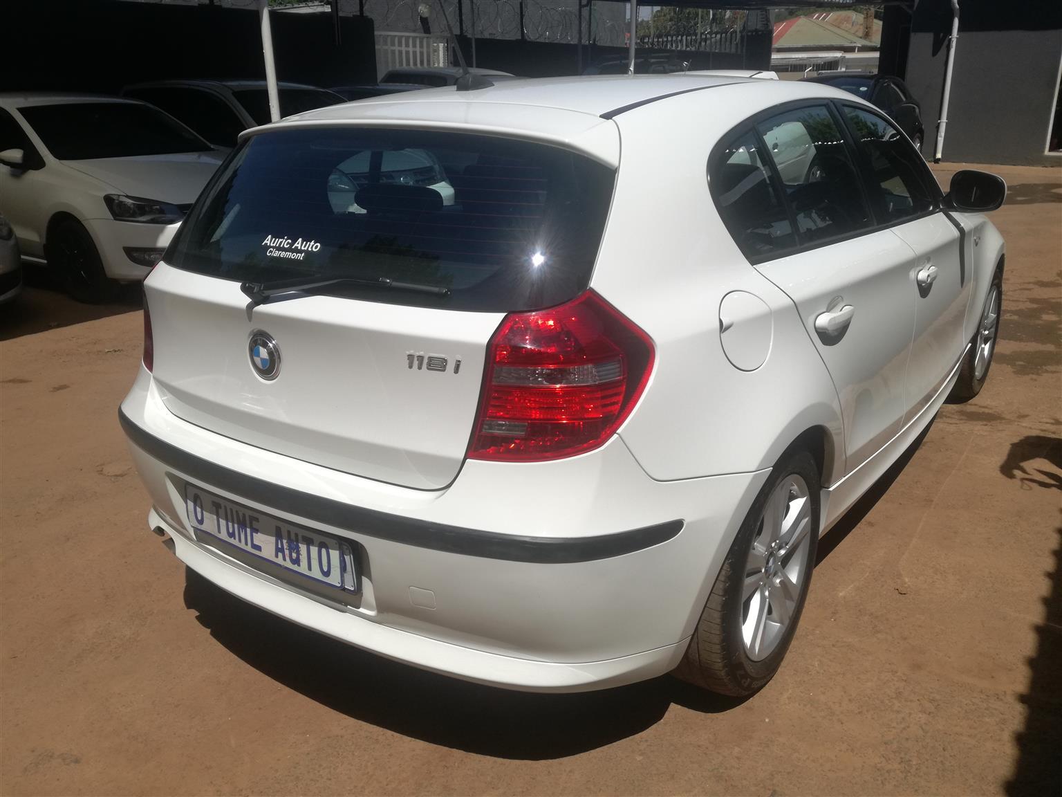 2011 BMW 1 Series 118i 5 door auto