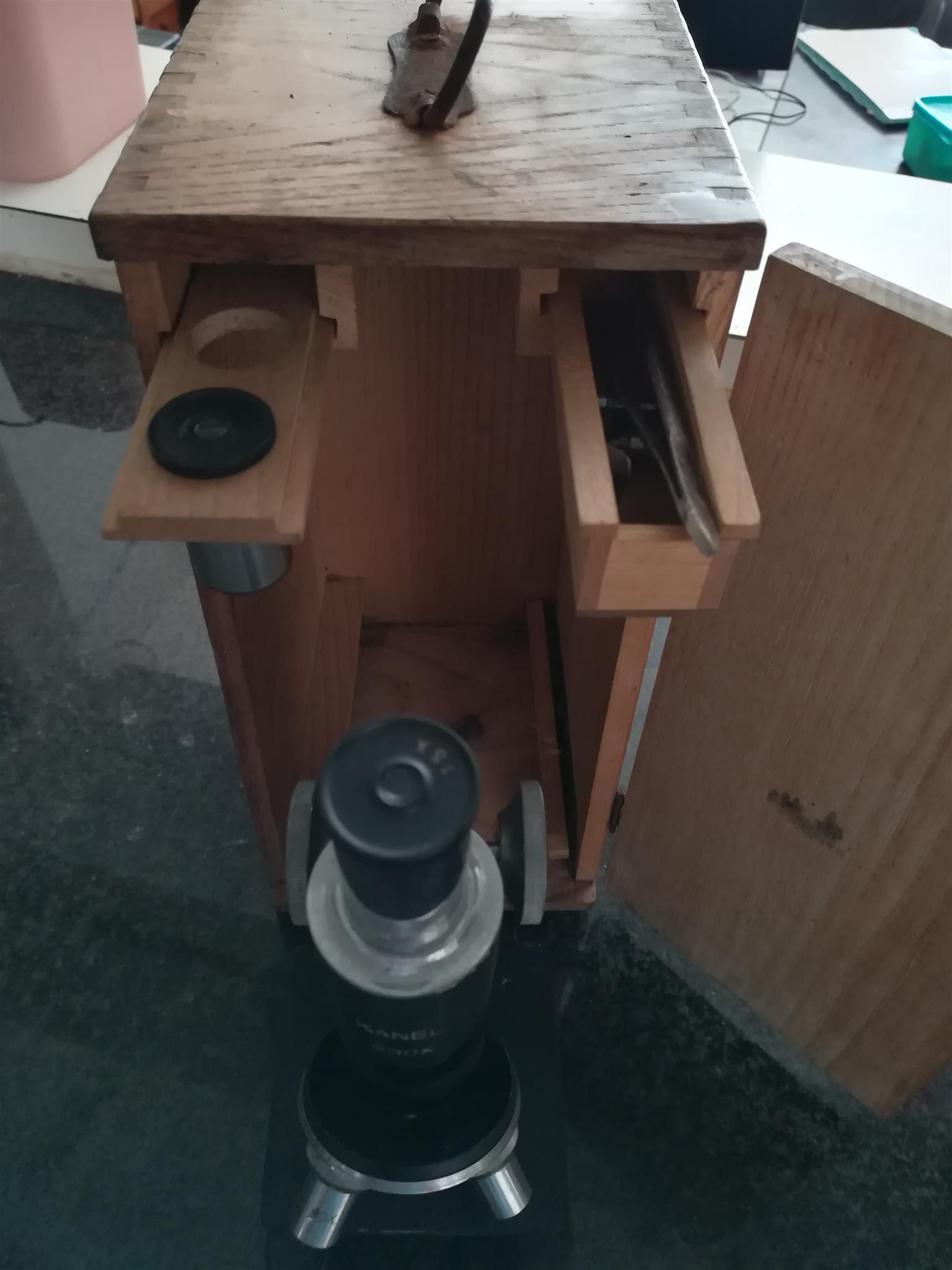 Kanel 600 Vintage microscope