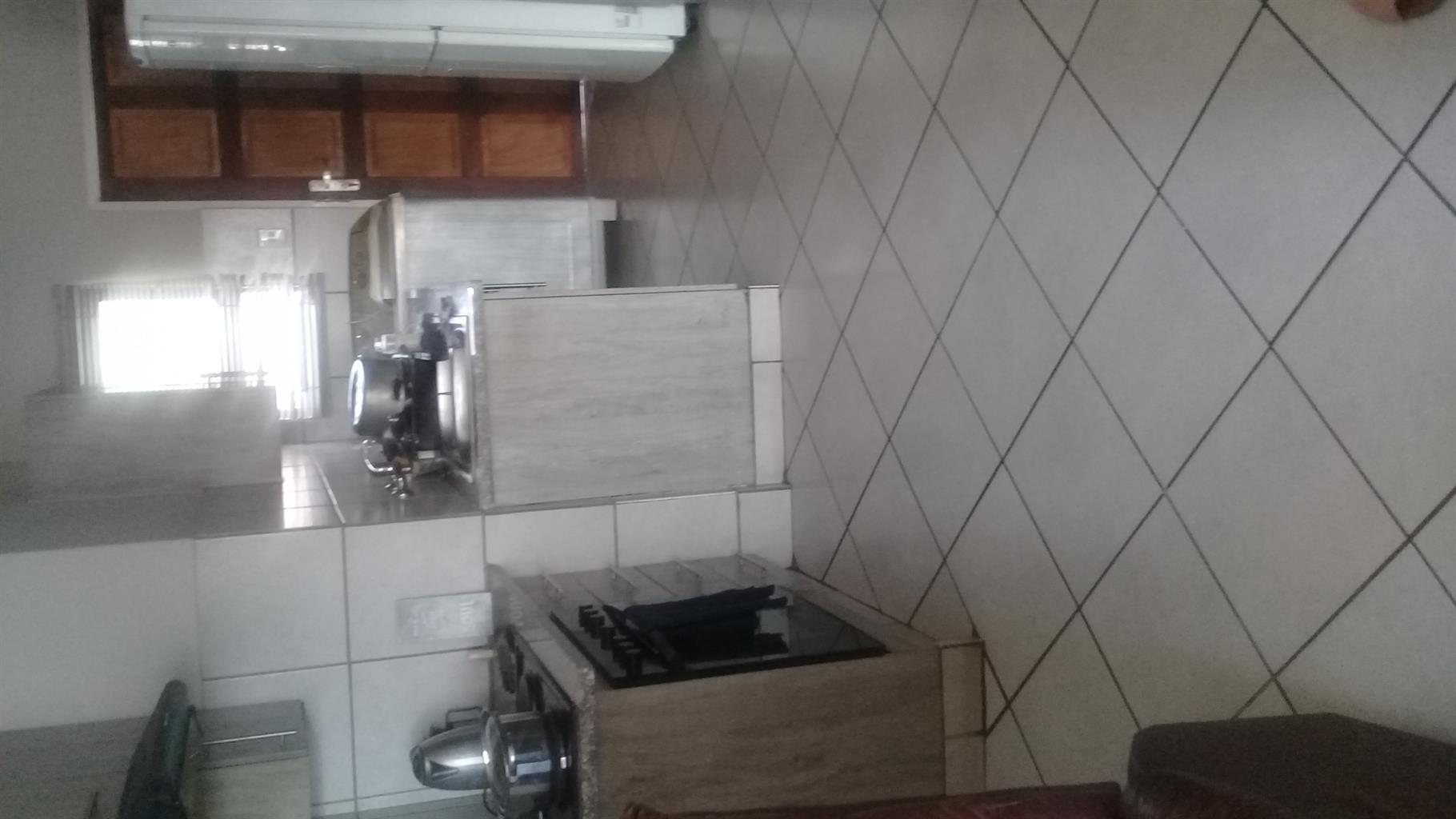 2bed to rent in pta north