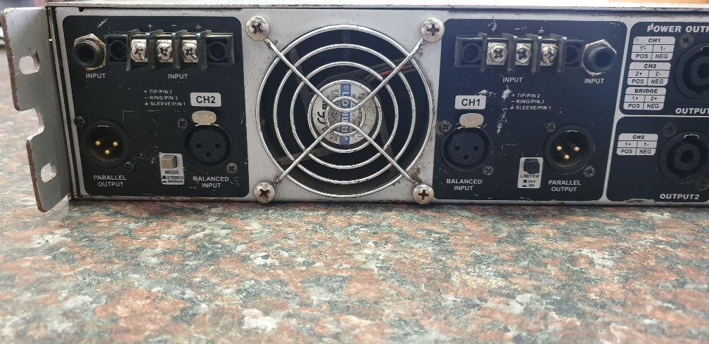 Alto Professional Mistral 4000 Amplifier