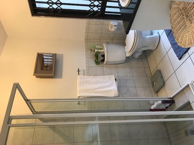 2 bed, 2 Bath, garden unit Magaliessig
