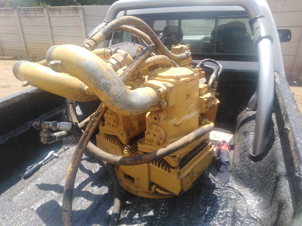 Liebherr LPV 165 Pumps with slew pump and PTO box