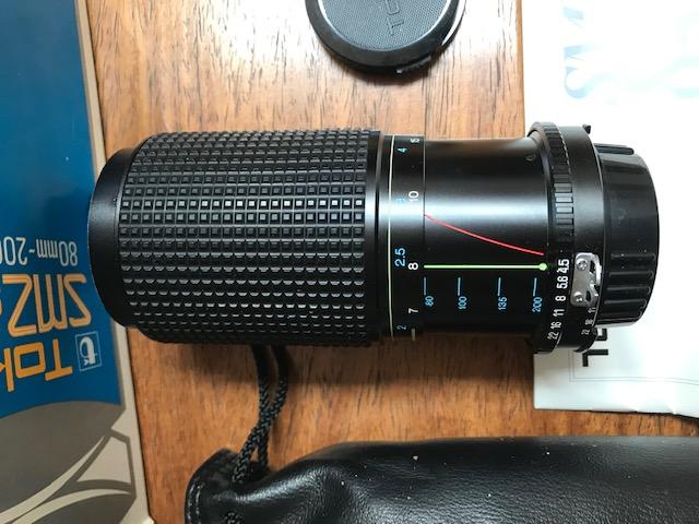 Tokina - 80 to 200 -F4.5 lebs to fit Nikon Camera