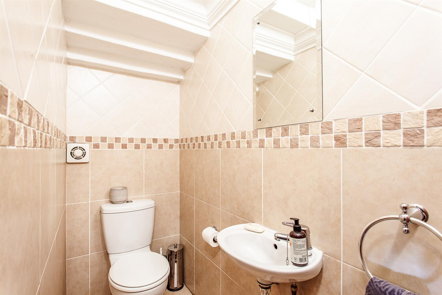 Townhouse For Sale in Fairland