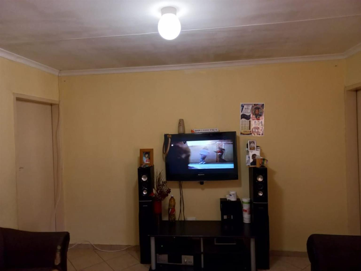 Townhouse For Sale in OLIEVENHOUTBOSCH