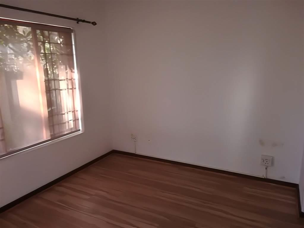 Douglasdale - 2 bedrooms 2 bathrooms simplex with own garden available R12000