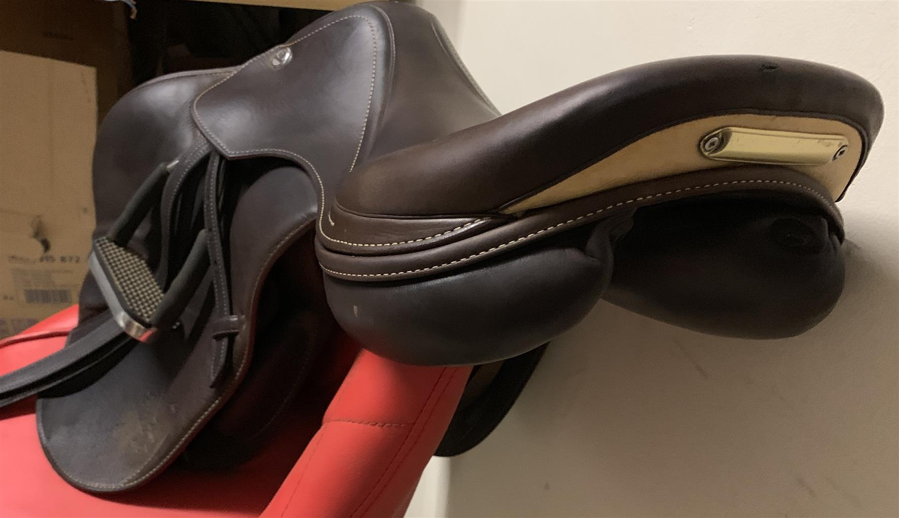 Brown 17.5 PRESTIGE FULL LEATHER JUMPING SADDLE FOR SALE