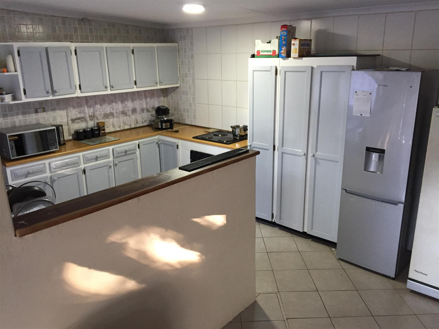 Guesthouse opportunity in Florauna - large house with two flatlets and lots of parking