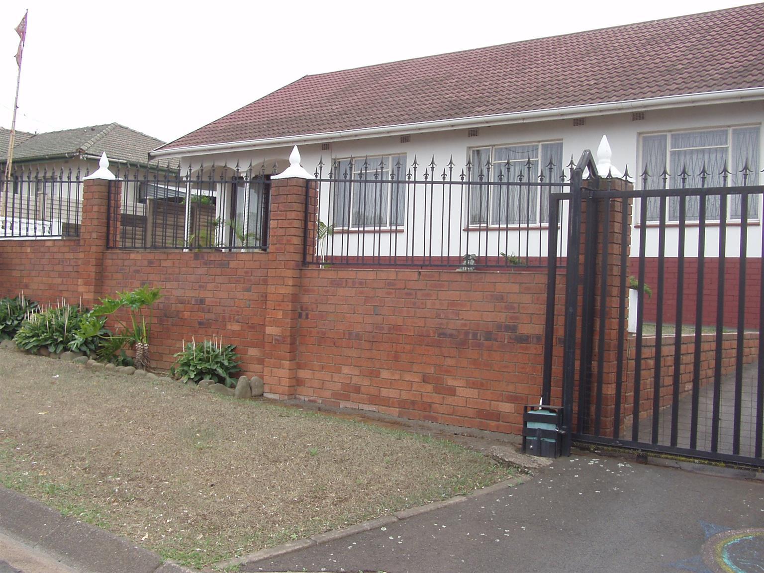 Beautiful 4 bedroom House - In a sort after area in Pietermaritzburg.