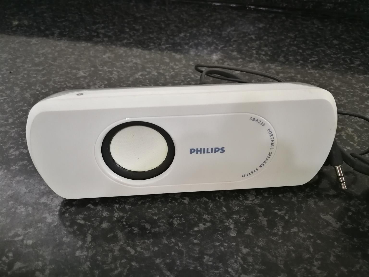 Phillips Portable Aux Speakers with Pouch
