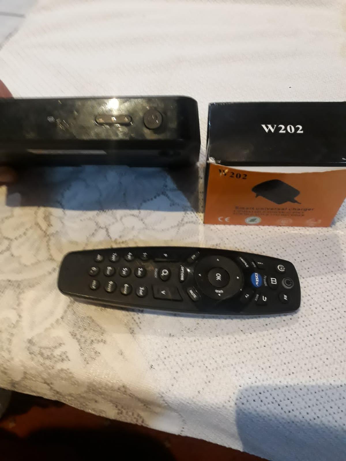 HD DSTV Decoder complete remote & power supply