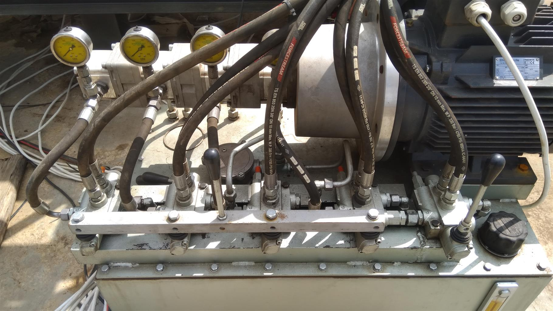 We offer the best hydraulic and engineering services at a very low price, call us for more details.