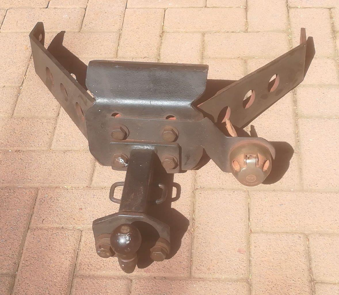 LR Defender towbar assembly