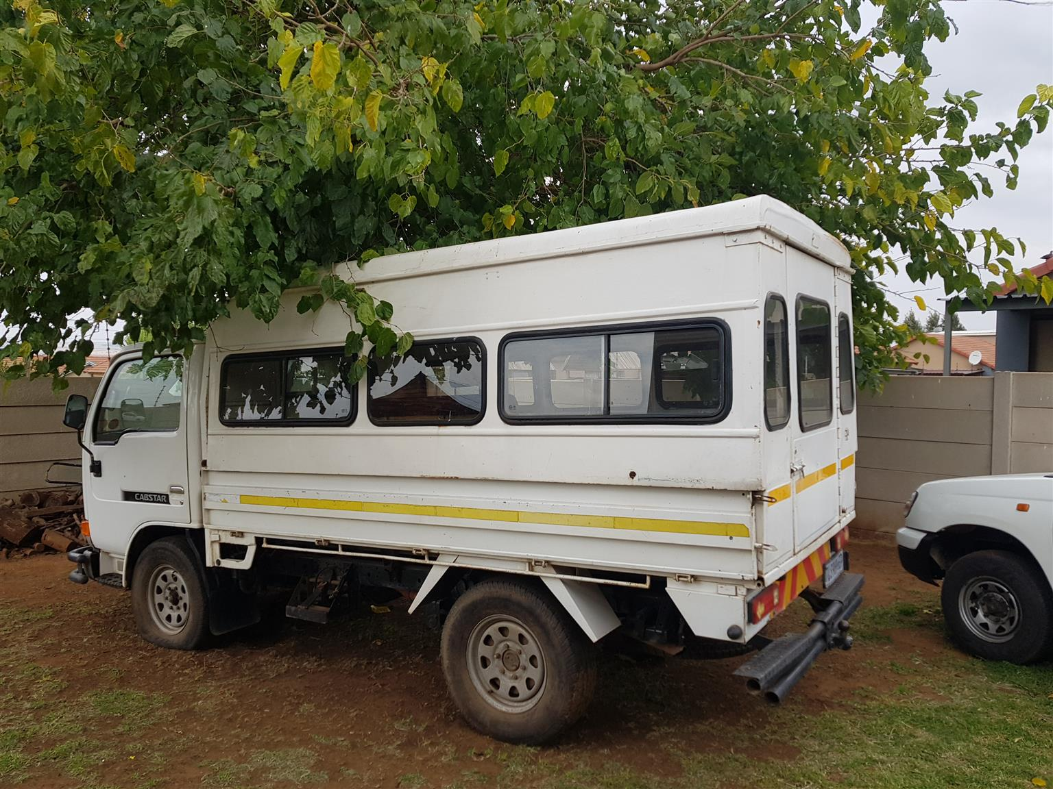 Nissan Cabstar F20 Truck Canopy R8000 Contact 079 184 6496