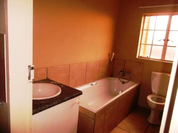 Ormonde 1edroomed townhouse to rent