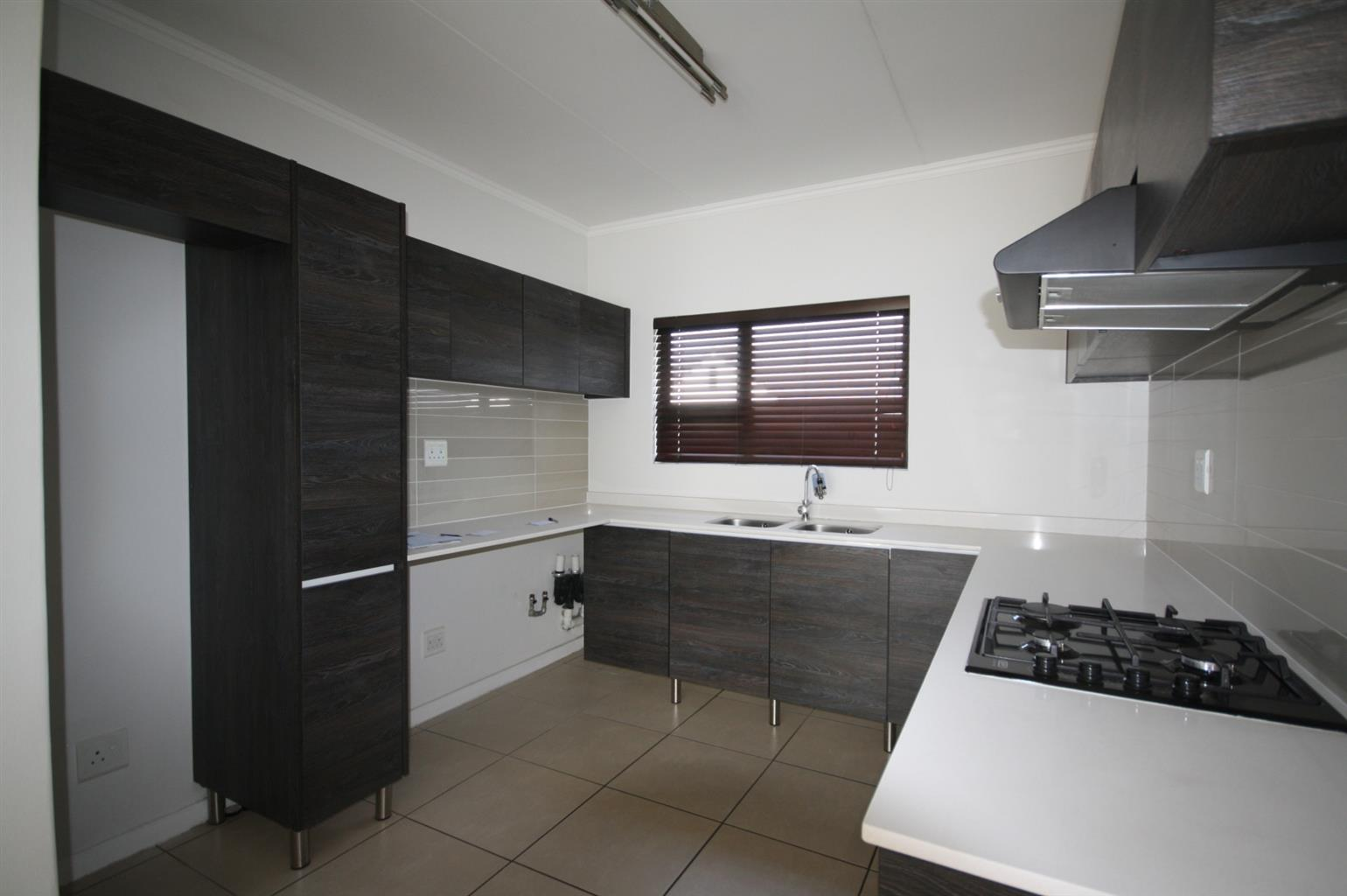 Townhouse For Sale in Greenstone Crest