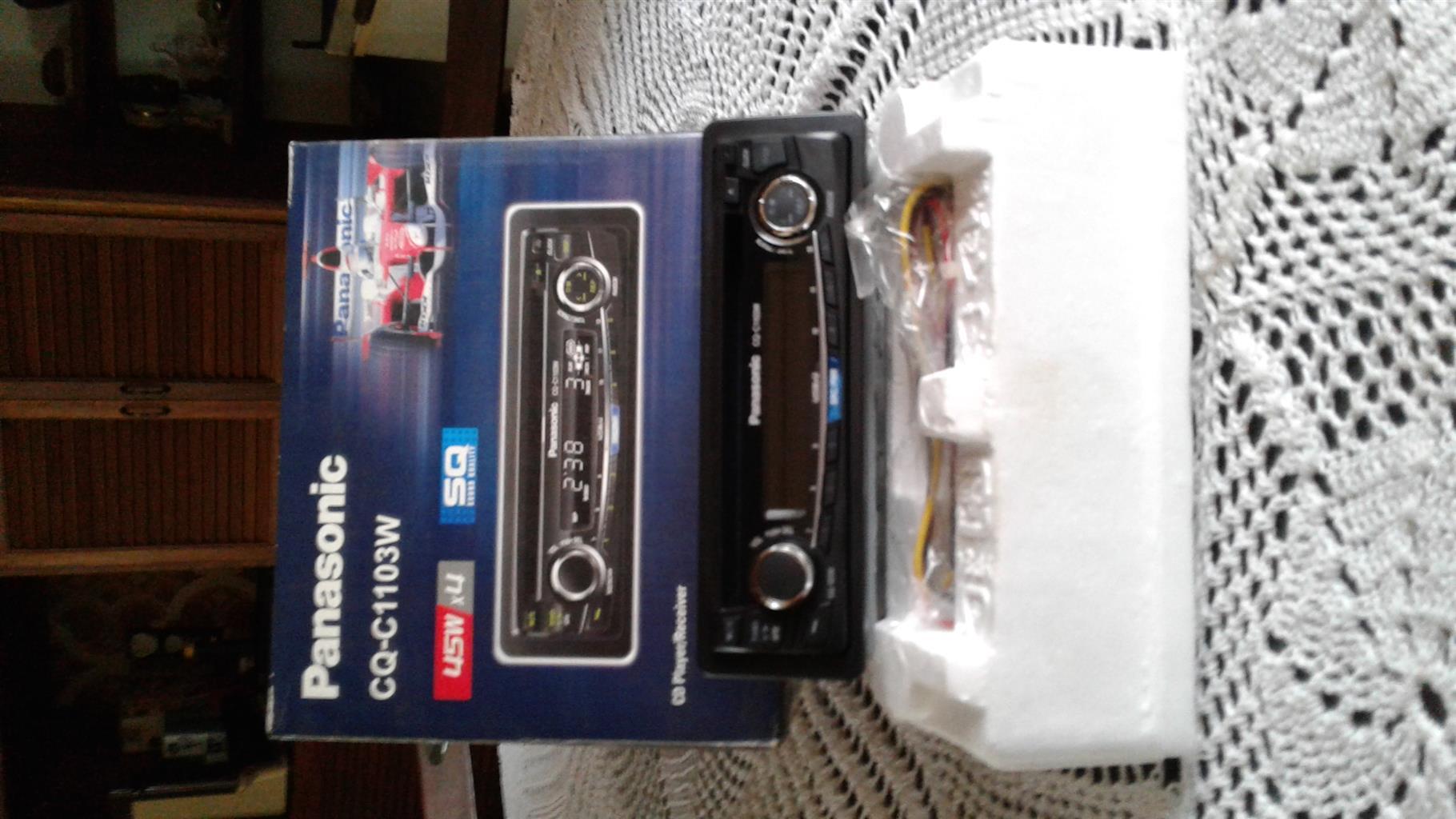 Panasonic CD player /receiver car radio