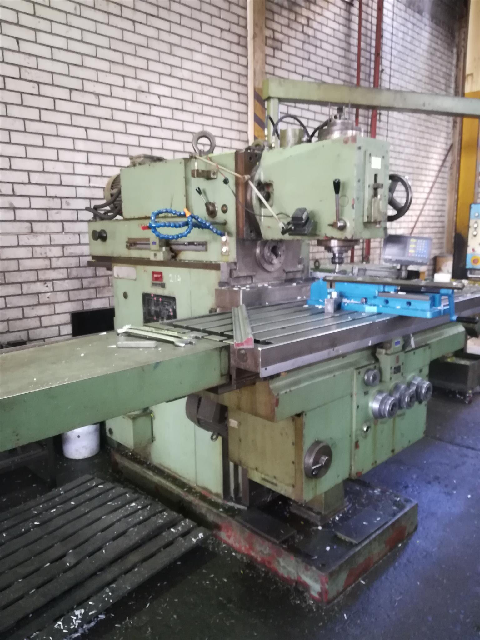 TOS Universal Milling Machine for sale