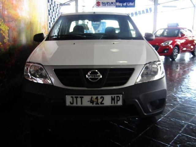 2019 Nissan NP200 1.6i (aircon)