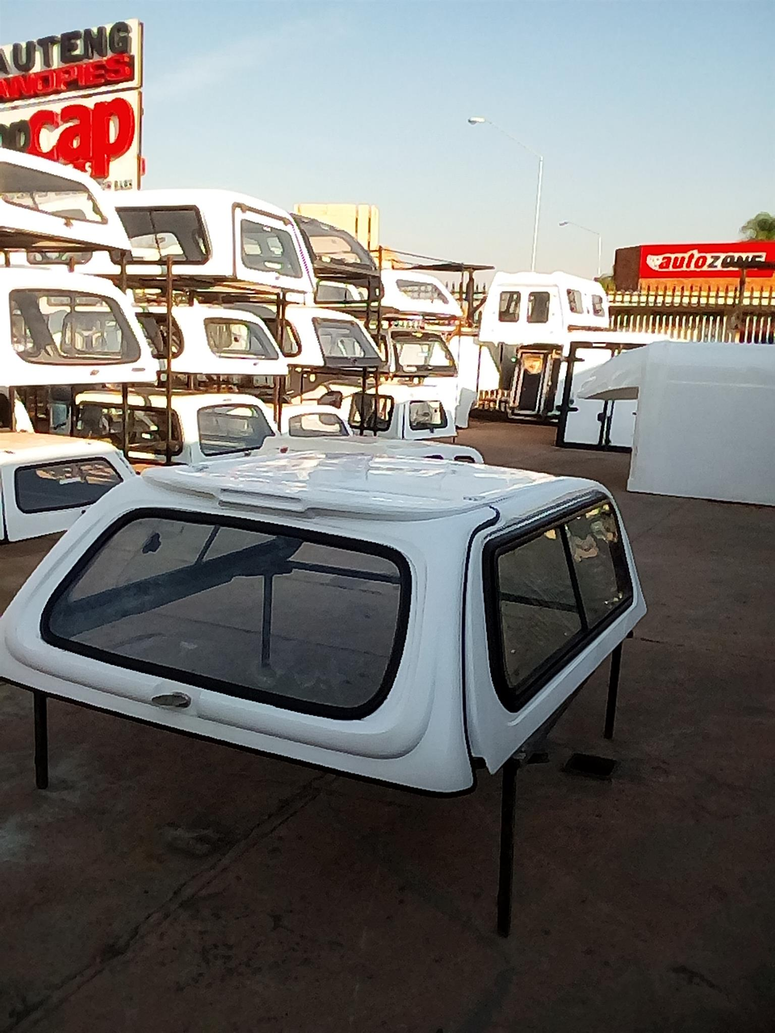 Corsa Utility Excellence Low -Liner Bakkie Canopy for sale !!