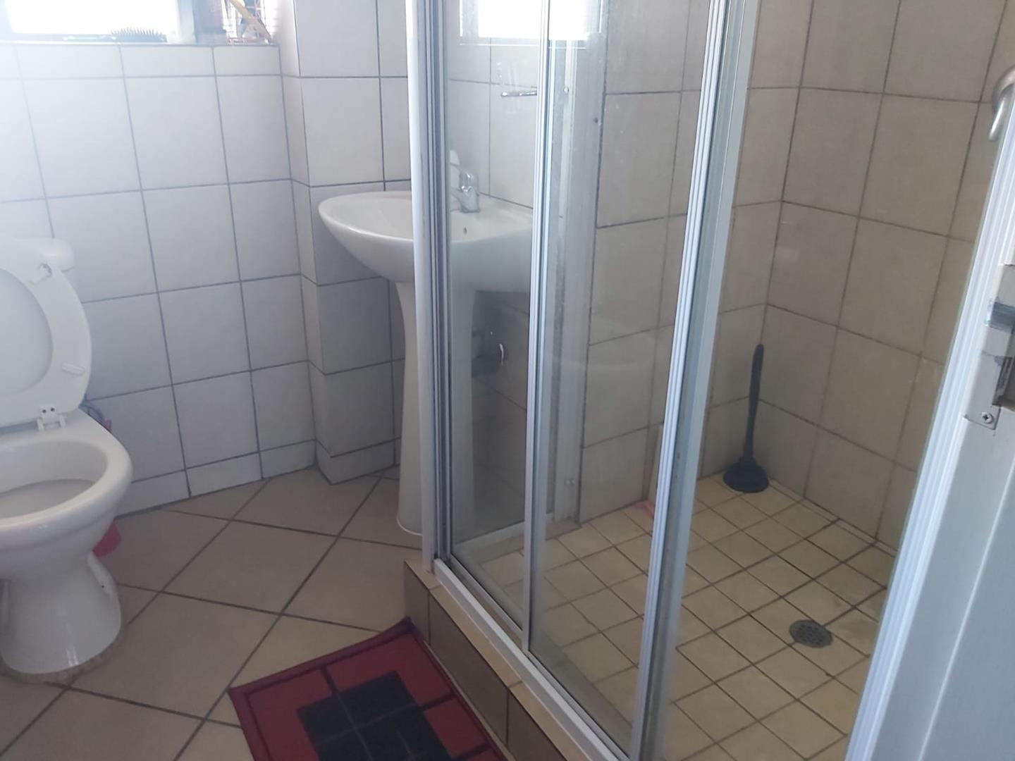 Apartment For Sale in Sonheuwel