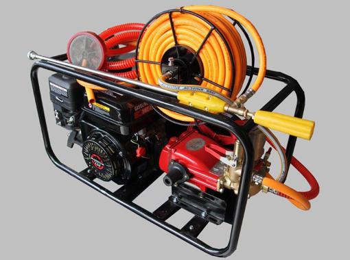 Magnum Power Sprayer with engine and Piston Pump plus free hand gun price incl vat