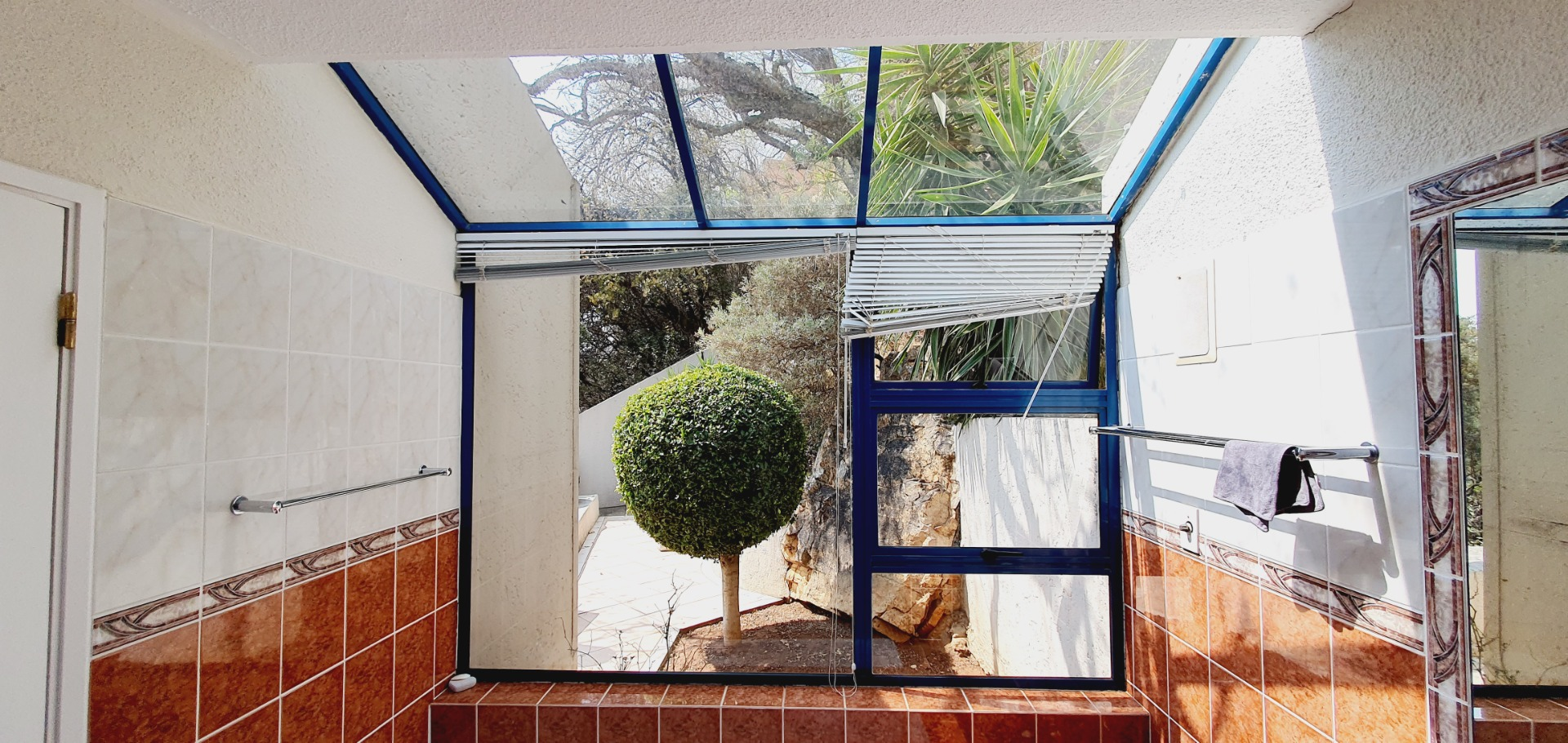 Townhouse For Sale in Northcliff