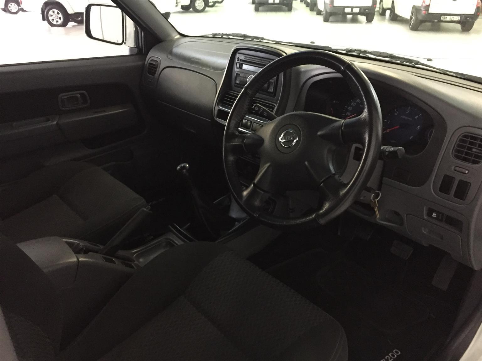 2019 Nissan NP300 Hardbody 2.5TDi double cab Hi rider
