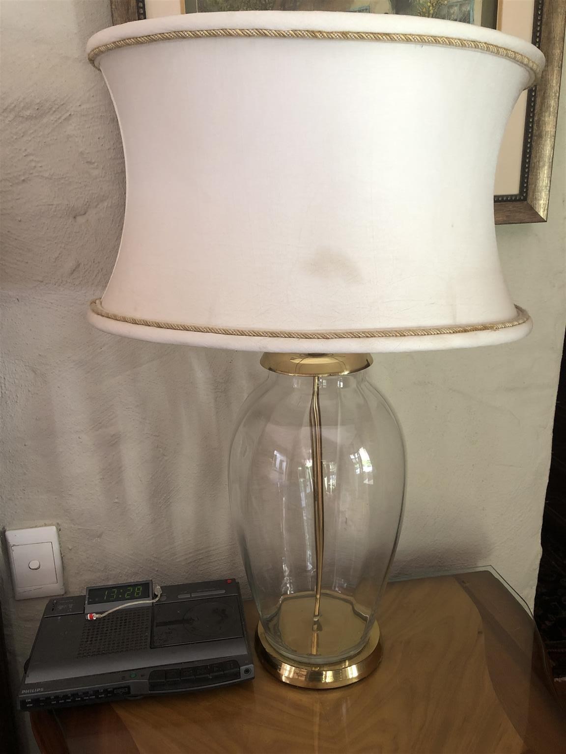 2 glass lamps