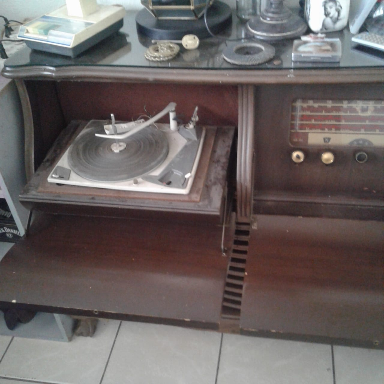 Antique radio & record player built in wooden display stand