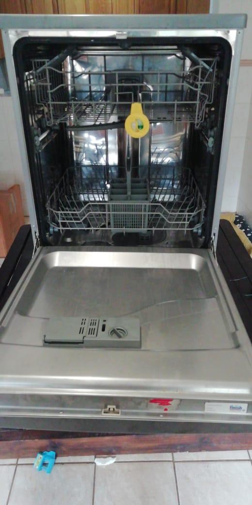 Kelvinator 12 plate dishwasher